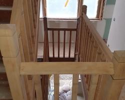 Escalier hêtre massif brut